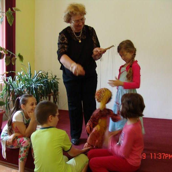 Poveşti şi marionete la Bibliovacanţă